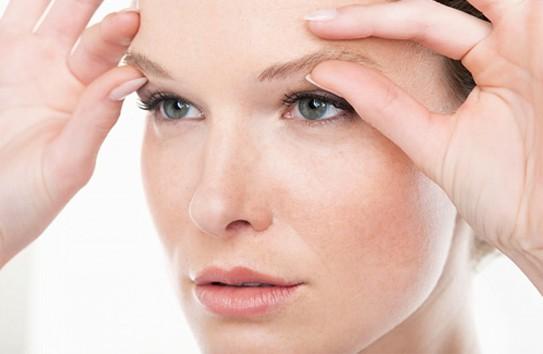 Tình trạng sụp mí mắt có thể cải thiện nhanh chóng nếu bạn áp dụng bài tập này 10 phút mỗi ngày.