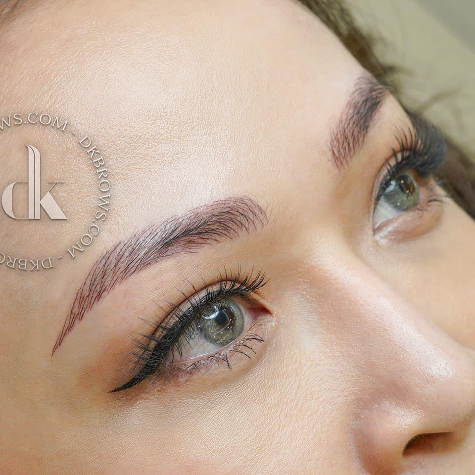 Hình ảnh khách hàng sau điêu khắc lông mày Microblading 3D tại DK Eyebrows & Beauty