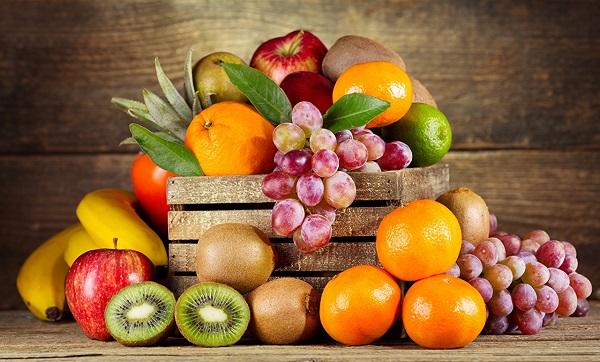 Nên ăn nhiều trái cây, không trang điểm vùng mày và giữa cho tinh thần luôn thoải mái