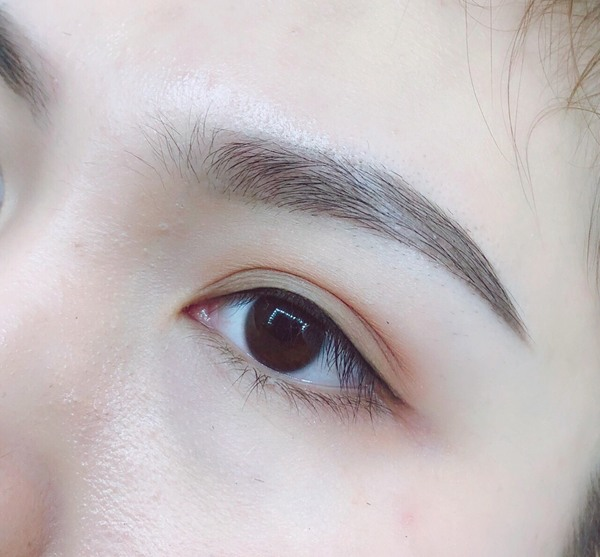 phun-mi-mo-trong-eyeliner-4