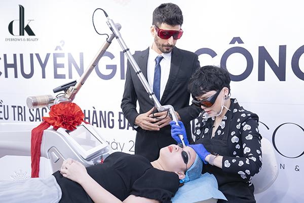 Master Ngoan Minh Vương nhận chuyển giao công nghệ Laser Pico Max